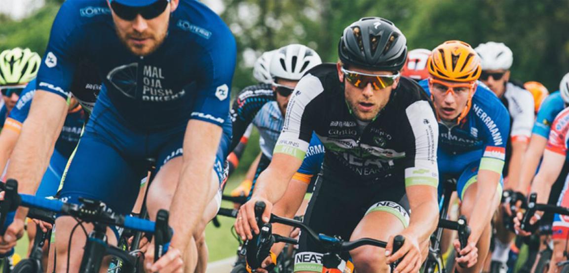 Vitesse Cycling Series Goodwood - bike riders